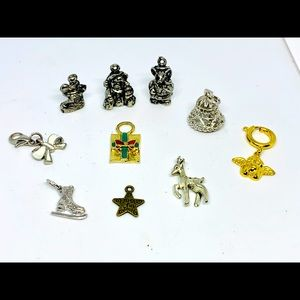 Jewelry - Christmas inspired 10pc pendant lot